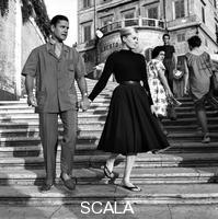 ******** Anita Ekberg ed il marito sulla scalinata di Trinità dei Monti - totale. Anita Ekberg ed il marito a Roma. Trinità dei Monti a Roma. 08.08.1958