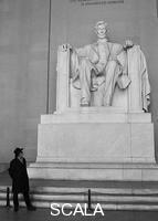 Figueroa, Jose A. (b.1946) Korda y Lincoln Washington, 2000