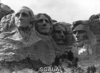 ******** Mount Rushmore National Memorial with the monumental portrait heads of four U.S. presidents. From left George Washington - Thomas Jefferson - Theodore Roosevelt - Abraham Lincoln. 1982.
