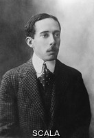 ******** Alberto Santos Dumont (1873-1932), Brazilian aviator. Santos Dumont's airship won a prize in 1901 by navigating round the Eiffel Tower. He then worked on aeroplane design, and his 14-bis aeroplane made its first public flight in Paris, France, on 23 October 1906. Some consider this to be the first true powered flight. Santos Dumont retired from flying after an accident in 1910, and he was diagnosed with multiple sclerosis a few months later. He continued to design planes, but the loss of life from crashes, and the use of planes in war, and his continuing illness depressed him. He committed suicide a few years after his return to Brazil. Photograph from the Bain News Service.