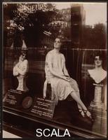 Atget, Eugene (1857-1927) Coiffeur, Avenue de L'observatoire, 1926